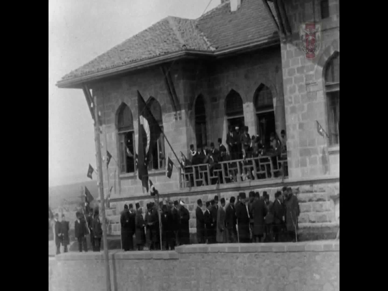 Mustafa Kemal Atatürk'ün Ankara'da Karşılanması ve Birinci TBMM Binası